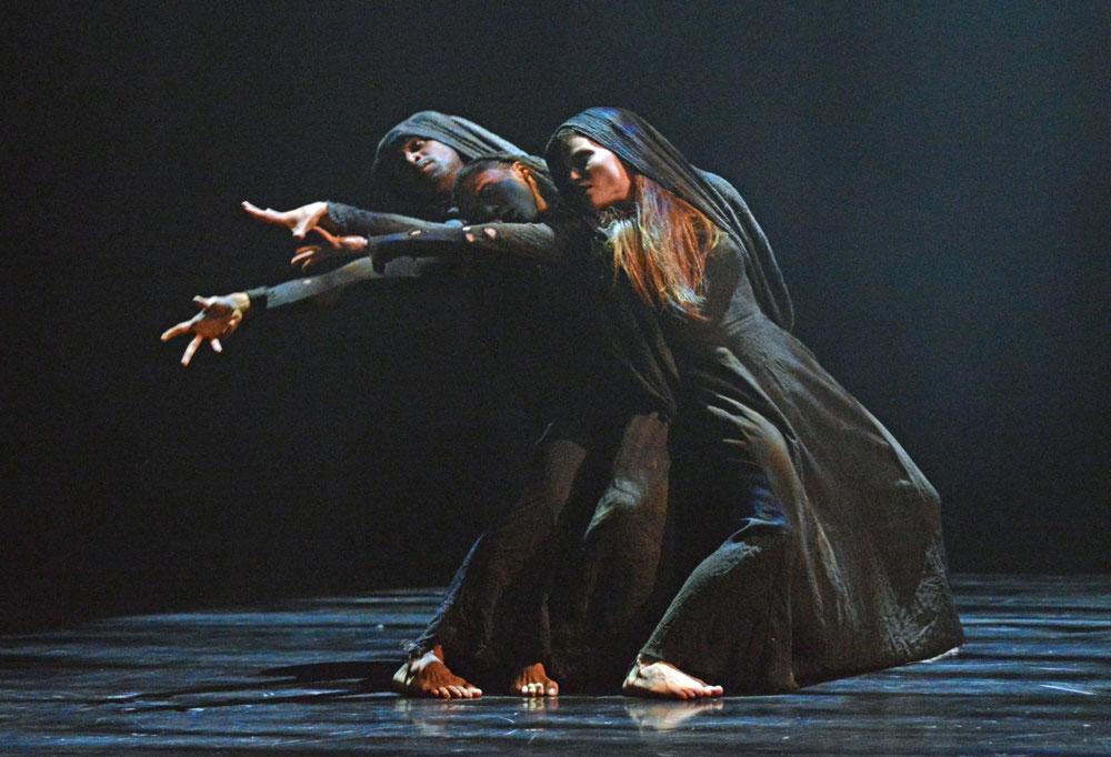 dm-dark-eye-miguel-altunaga-estela-merlos-hannah-rudd-point_1000, dancetabs com