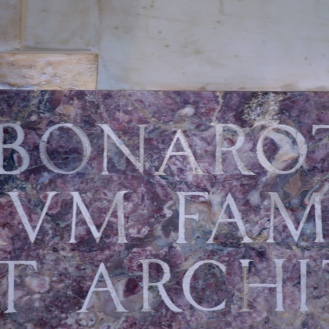 Inscription on Michelangelo's tomb. Photo: Opera di Santa Croce